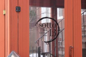 Sotto 13, sign