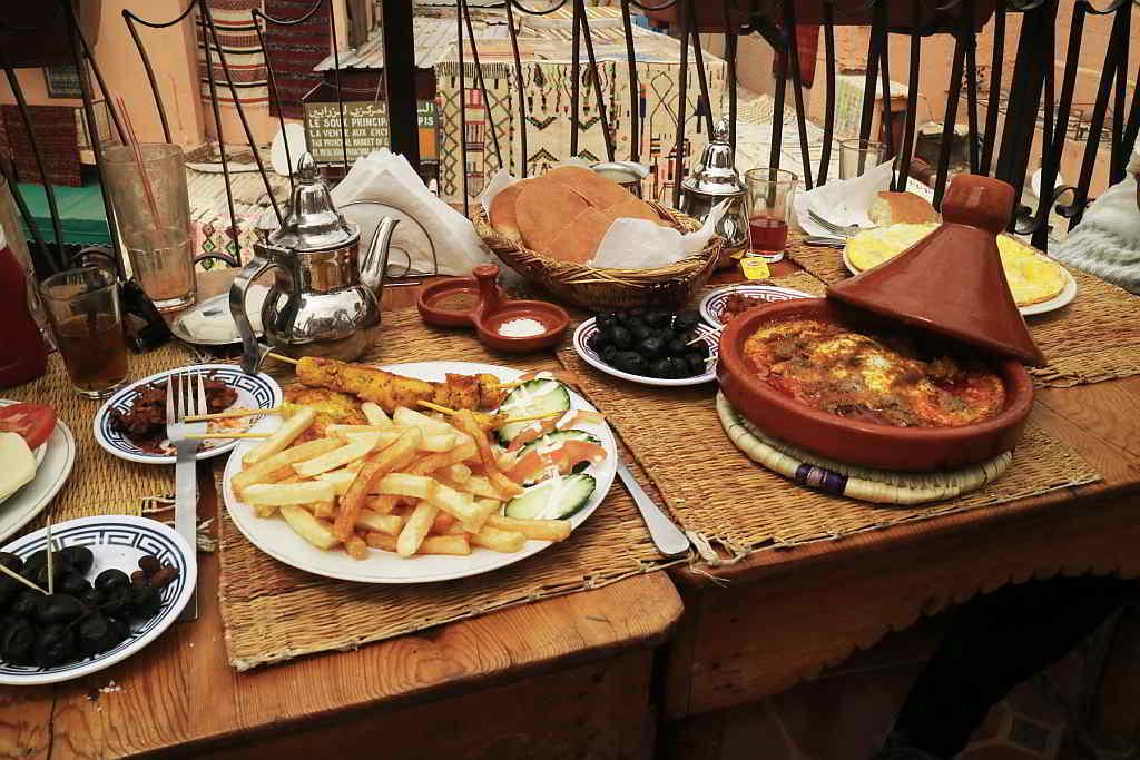 Lunch in Marrakesh. Photo by Battman. 2017