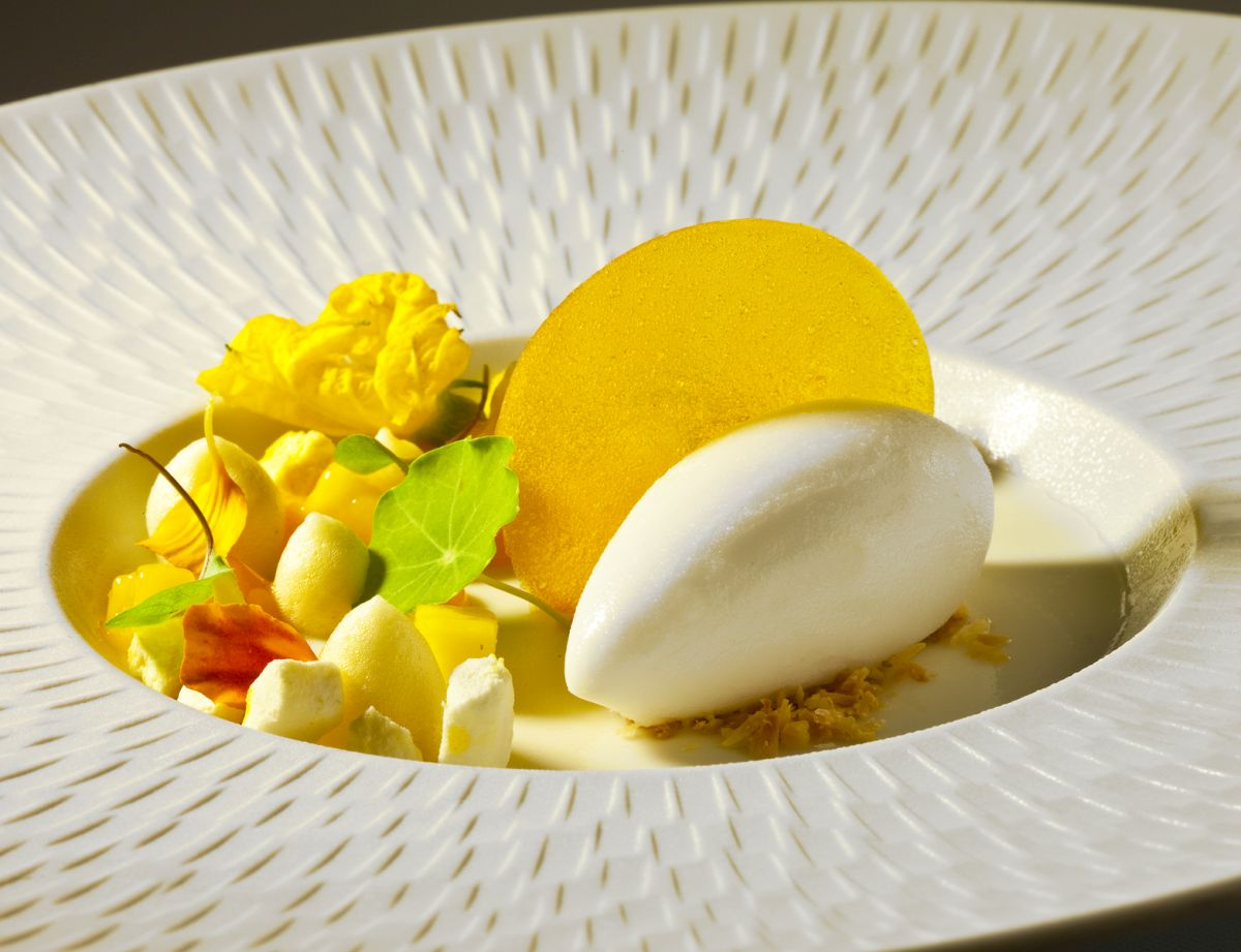 Coconut Panna Cotta with Passion Fruit and Coconut Sorbet by Antonio Bachour. Photo by Battman.