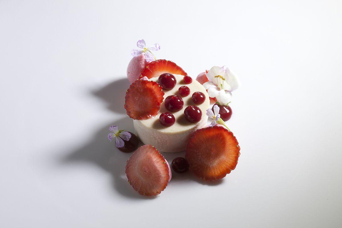 Guava Cheesecake with Strawberries by Antonio Bachour. Photo by Battman.