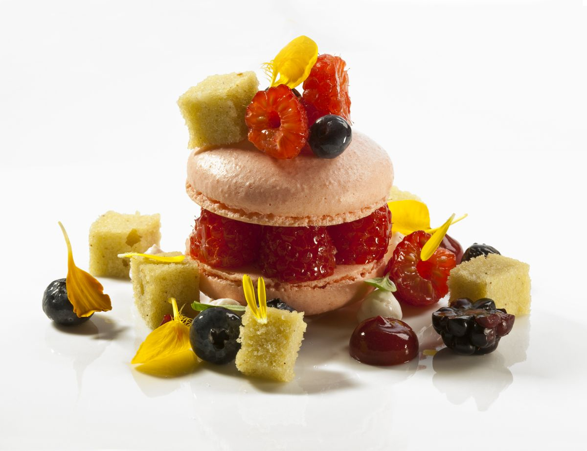 Mascarpone Cream Macaron with Berries & Almond Pistachio Cake by Antonio Bachour. Photo by Battman.