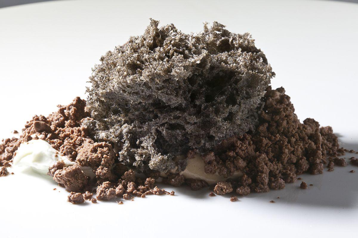 Toasted Black Sesame Seed Microwave Sponge Cake by Antonio Bachour. Photo by Battman.