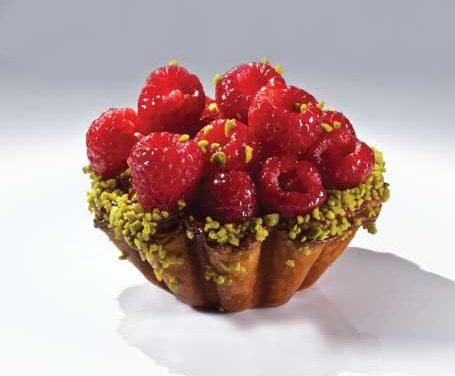 Pistachio Raspberry Croissant, Bachour the Baker. Photo by Battman.